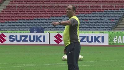 News video: Malaysia train for the Suzuki Cup final